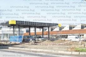 Снабдителят с евтин дизел на В. Марешки вдига в Сандански 4 пъти по-голяма бензиностанция от скандалната в промишлената зона на Благоевград