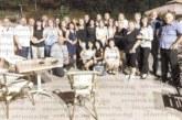 Учителки в Коларово събраха бивши съученици от набори `70 и `71 на емоционална среща сред вековните кестени под Беласица