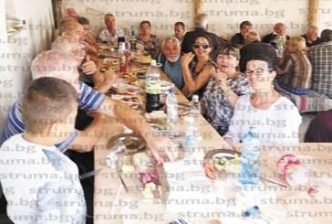 Селото с трима жители Бождово прие над 200 гости за Голяма Богородица