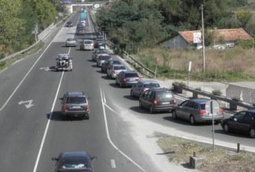 15-километрова колона от автомобили между Симитли и Благоевград