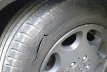 Нагледаха им се! Наказателна акция в Крупник, Ауди и БМВ със срязани гуми