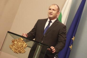 Румен Радев подписва указа за освобождаването на Младен Маринов