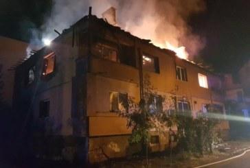 Пожар унищожи част от жилищен блок в Божурище