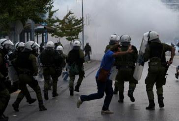 Полицията използва сълзотворен газ срещу демонстранти в Солун