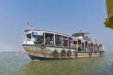 13 души загинаха при потъване на ферибот в Индонезия