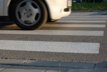 Полицията издирва шофьор! Момиче в болница, неизвестен блъсна пешеходка в Гоце Делчев
