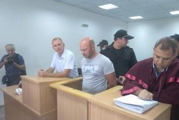 Пуснаха 19-имата арестувани от тайните фабрики за цигари