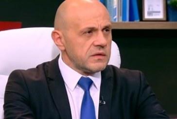 Томислав Дончев: Николина Ангелкова запазва поста си