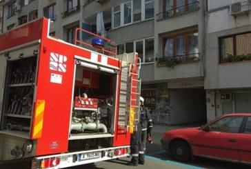 Братчета на 9 м. и година и половина евакуирани при пожара в Бургас