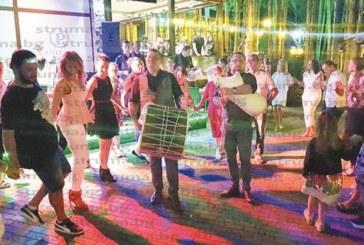 """ЗАРАДИ ГОЛЕМИЯ ИНТЕРЕС! Македонските вечери в хотел парк """"Бачиново"""" продължават с пълна сила и през септември"""