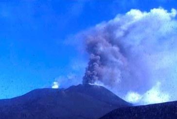 Силни експлозии на вулкана Етна, повишиха степента на тревога