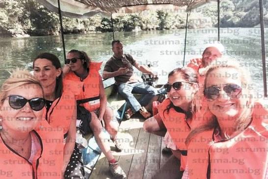 С разходка с лодка по каньон Матка и почерпка в пещера ЮЗУ преподавателка празнува рожден ден на сестрата на свой студент от Македония