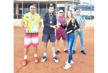 Местните отново се дадоха на външните на тенис турнира в Гоце Делчев