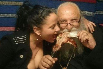 Кръчмарски снимки с отец Иван разбуниха духовете във Facebook