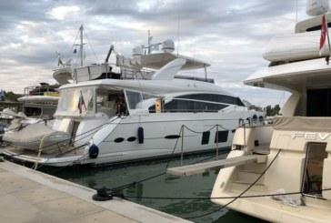 """Наш милионер е с най-скъпата яхта в баровската марина на """"Сани резорт"""" – Гърция"""