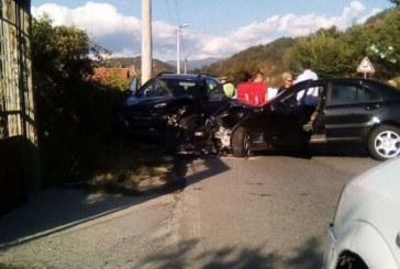 Транспортираха в болница двама журналисти от Благоевград, ранени при катастрофата край Градево