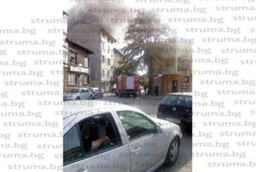 Огнен ад в Благоевград! Пламна жилищна кооперация