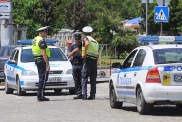 Ранен полицай лежи насред булевард в столичeн квартал