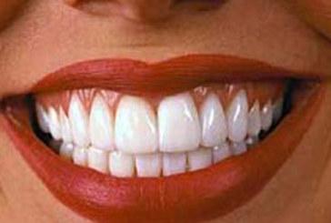 Народна рецепта премахва зъбния камък за 2 минути