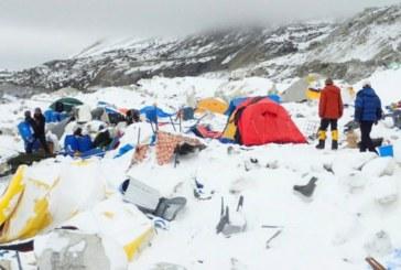 Трагедия в Непал! Най-малко 8 алпинисти загинаха в снежна буря