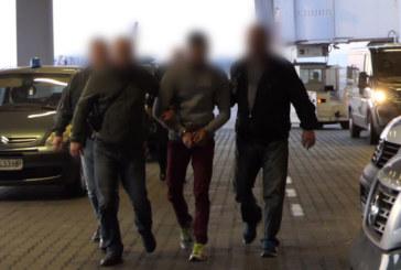 Конвоират Северин Красимиров в русенския следствен арест