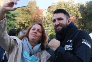 Преди двубоя с Кубрат! Фюри посети Пловдив и зарадва местните фенове