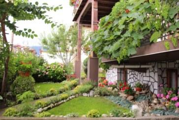 Избраха най-красивите градини на Банско