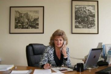 ПЪРВИ РАБОТЕН ДЕН! Бившата шефка на РУО – Кюстендил влезе в кабинета си в Министерството на образованието