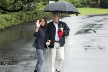 Семейство Тръмп на посещение във Флорида след опустошителния ураган