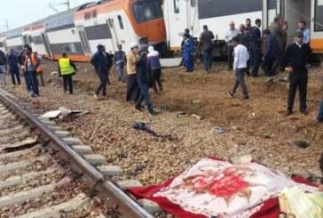 Влак излезе от релсите, най-малко 10 души загинаха, повече от 90 ранени
