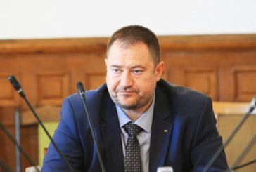 Повдигнаха обвинение на Петър Харалампиев