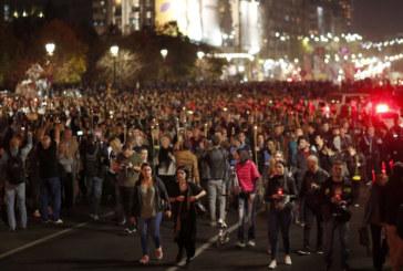 Хиляди на протест срещу корупцията в Румъния