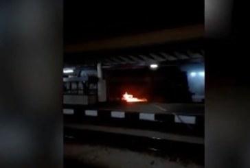 Локомотив горя на гарата в Горна Оряховица
