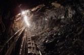 Срутване на мина блокира под земята 22 миньори