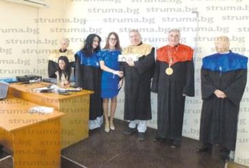 Президентът на Колежа по туризъм проф. Жечев вторият носител на медал за заслуги от вуз в Украйна след патриарха