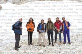 Учен географ от Япония изкачи с колеги от ЮЗУ  връх Вихрен и разгледа микроледника Снежника