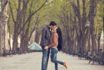 Целувките помагат на жените да открият идеалния мъж