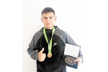 Голфър от Разлог спечели ежегодна верига и квота за международен турнир