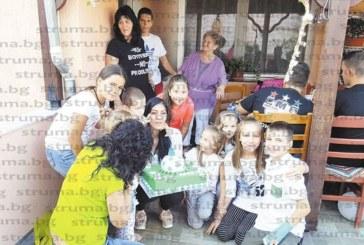 Синът на фолкпевицата от Сандански Атанаска Шопова (Нанси) – Костадин, отпразнува 4- ти рожден ден