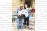 Таксиджията Палашо извади 10-килограмов сом край Кочериново, събира дружината на софра, за да почерпи за слуката и за раждането на втория си син