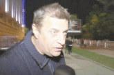 Грозен екшън! Футболният бос Стойнето от Дупница заби нокти във врата на директор на противников отбор, подгони да бие фен през кордон от полицаи