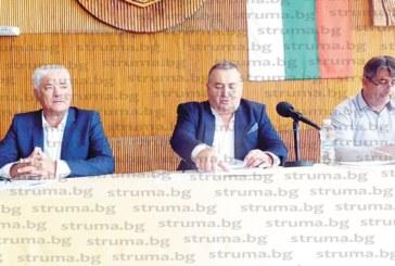 Съветникът от БСП Зл. Славев сред първенците по отсъствия в ОбС – Дупница, от 7 заседания присъствал на 4, председателят Е. Гущеров и 7 от групата на ГЕРБ нямат пропуснато