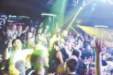 """Амар Гиле и сръбски бенд разтърсиха клуб """"The face"""", фен на изпълнителя отвори 100 бутилки шампанско в негова чест"""