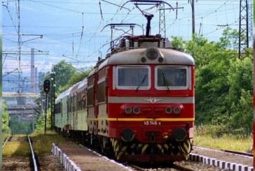 ШОК КРАЙ БЕЛО ПОЛЕ! Машинист се хвърли от влака по време на движение