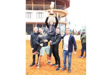 Тенисист от Гоце Делчев с победен дубъл в заключителния турнир за годината