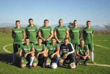 КУРИОЗИ В ПИРИНСКАТА БУНДЕСЛИГА! Отбор се яви за мач с 9 играчи, 15-годишен вкарва четири гола