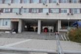 Обгазеният при гасенето на къщата си в Черна Места си тръгнал от болницата самоволно