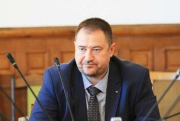 Шефът на Агенцията за българите в чужбина Харалампиев остава за постоянно в ареста