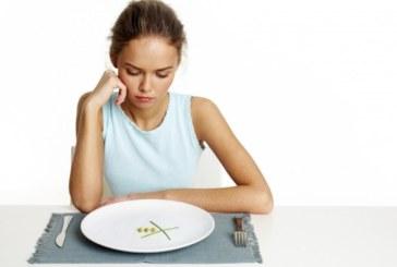 5 симптома, че трябва да спрете гладуването