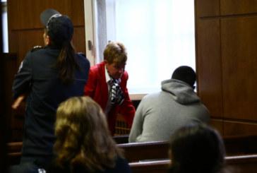 Доведоха двойният убиец Викторио с пранги в съда